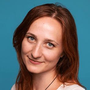 Анна Сокур